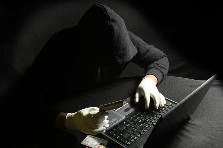 Man Duped Of Over 6 Lakh Rupees By Online Fraudster In Maharashtra
