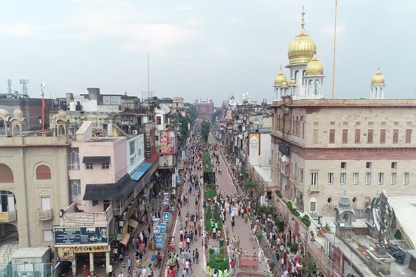 Delhi CM Kejriwal Inaugurates Revamped Chandni Chowk Stretch; To Allow Street Food Joints Till Midnight