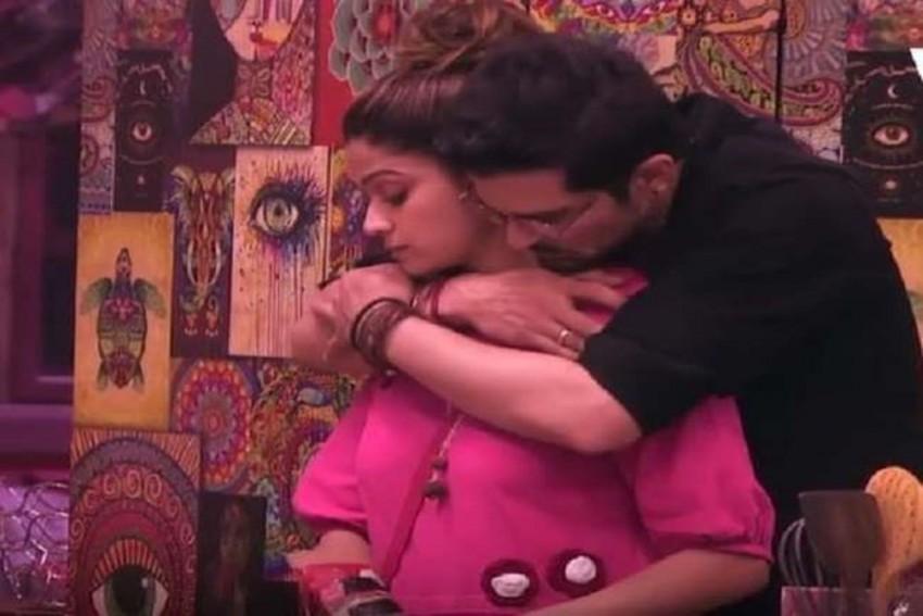 Bigg Boss OTT: Karan Johar Asks Shamita Shetty To Explain The Nature Of Her Relationship With Raqesh Bapat