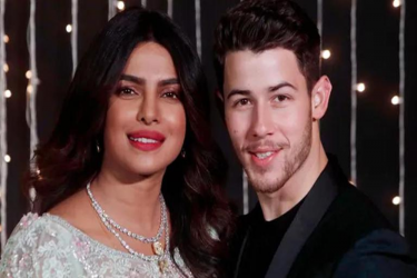 Priyanka Chopra Surprises Nick Jonas On His 29th Birthday; Singer Calls Her The Best