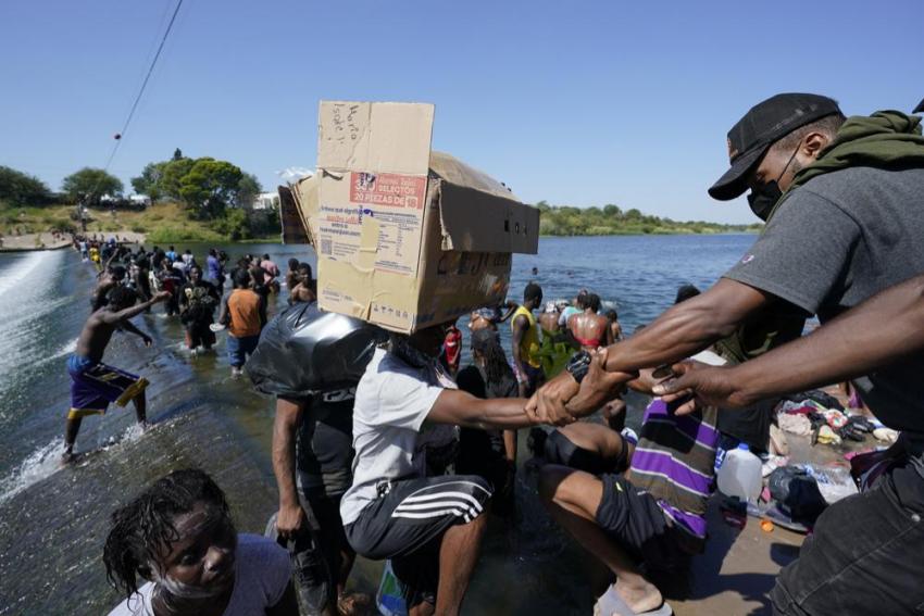 US To Fly Haitian Migrants Back To Haiti