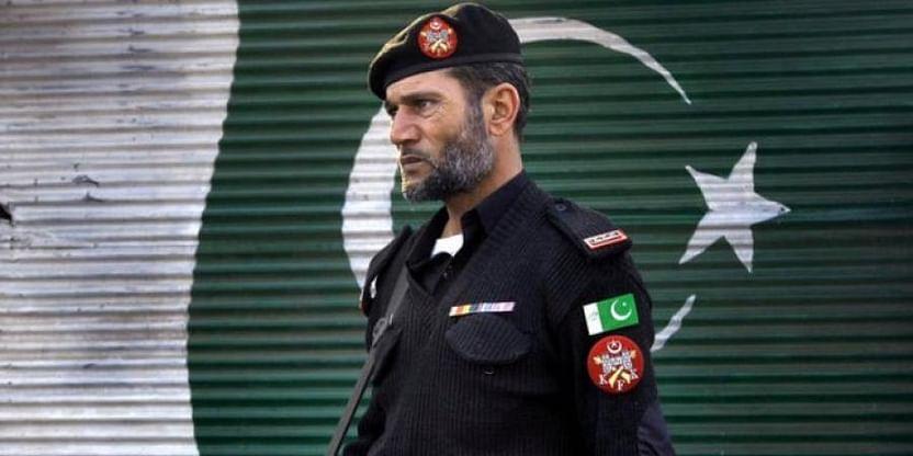 Policeman Escorting Polio Workers Killed In Pakistan