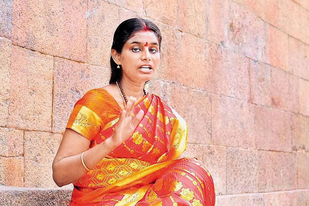 Shakti Sings For Shiva: The Woman Hymn Singer In Tamil Nadu Temples