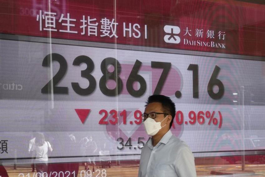 Asian Shares Extend Losses As China Worries Darken Sentiment