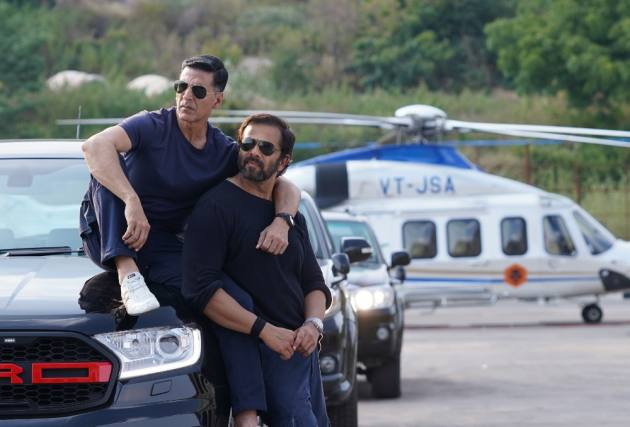 Rohit Shetty Announces 'Sooryvanshi's Release On Diwali After CM Announces Reopening Of Theatres In Maharashtra