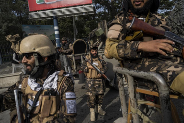 Taliban Returns To Its Gruesome Past; Hangs Dead Body In Herat City Square