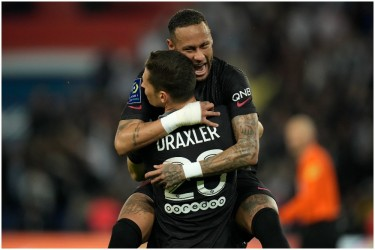 Ligue 1: Leaders Paris Saint-Germain Beat Montpellier 2-0 For Eighth Straight Victory