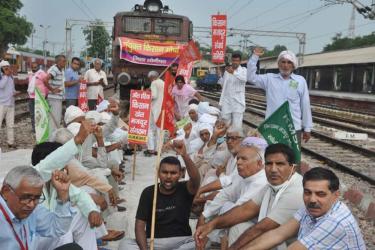 Bharat Bandh: 18 Trains Cancelled As Farmers' Agitation Brings Traffic To Halt In Haryana, Punjab