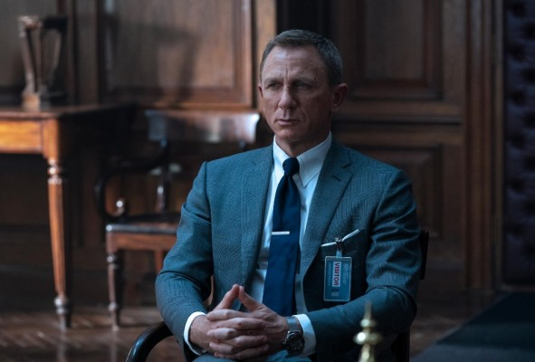 'No Time To Die' Movie Review: Shaken And Stirred! This James Bond Wins!