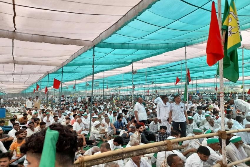 Thousands Attend 'Kisan Mahapanchayat' In Muzaffarnagar To Protest Against Farm Bills