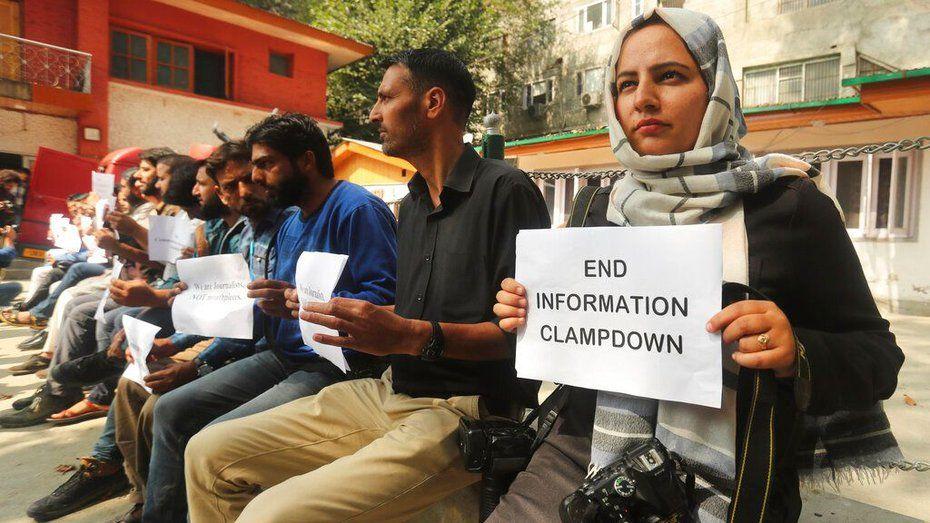 One Hundred Days Of Solitude In Kashmir's News World