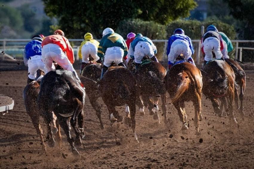 OPINION | Karnataka's Decision To Allow Online Horse Race Betting Good News For Online Gaming Sector