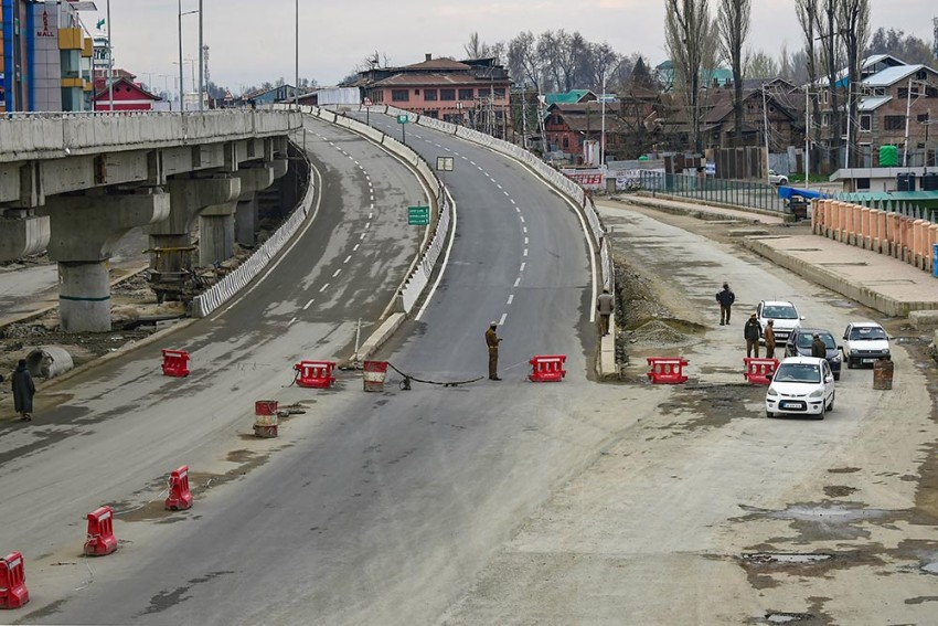 Blog: Kashmiris Have Lived Through Many A Lockdown. They Could Advise World On How To Face One