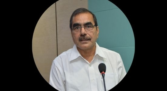 Dr Umesh Kapil