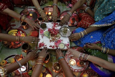On Karwa Chauth, UP Woman Calls Cops On Her Murder-Accused Husband