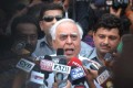 <b>Hard Talk</b> HRD minister Kapil Sibal talking to reporters after the June 15 Lokpal draft committee meeting disbanded