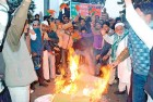 <b>Spilling rage</b> Muslims in Jaipur protest against Rushdie