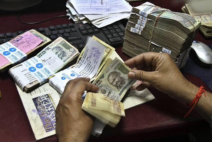 Currency Ban Creates Panic At Grassroots