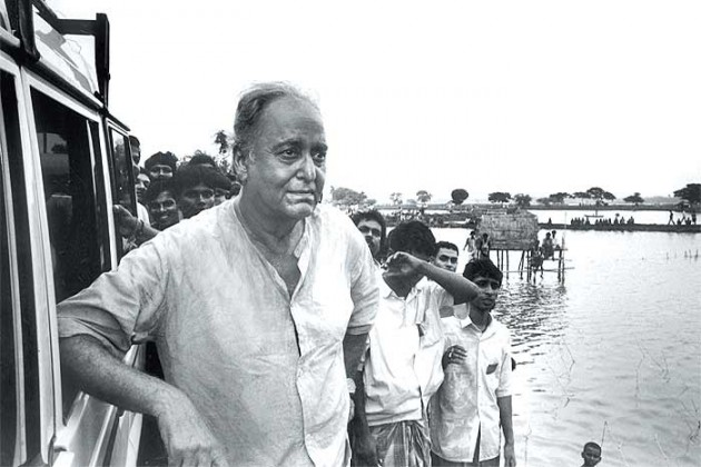 Outlook India Photo Gallery - Soumitra Chatterjee
