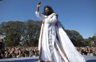 <b>Hail the guru</b> Sri Sri in Buenos Aires, Argentina
