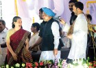 Sonia, Manmohan, Rahul at Dussehra celebrations in Ramlila maidan, Delhi