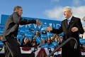 Bill Clinton welcomes President Obama at a rally in New Hampshire, Nov 4