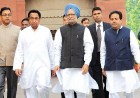 <b>Floor managers?</B> Prime Minister Manmohan Singh with Kamal Nath (left) and Rajiv Shukla