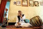 <b>Music maker</b> Ustad Rashid Khan at his daily hookah session