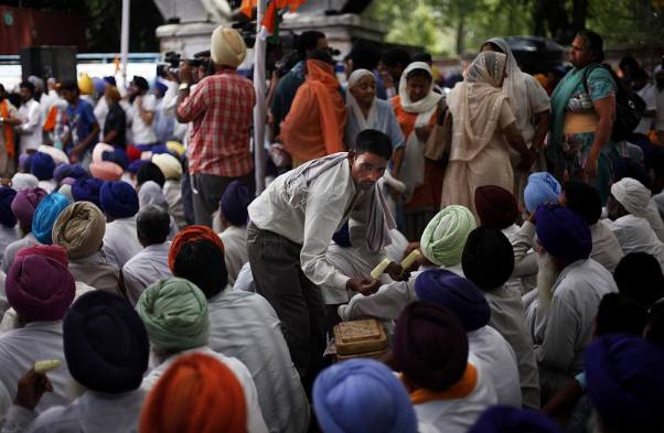 Outlook India Photo Gallery - Sikhs