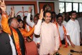 <b>Ready to go</b> Uddhav with the Sena's LS candidates