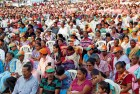 <b>Take a chance?</b> Christians in Nuvem Salcete at a BJP rally addressed by CM Parrikar