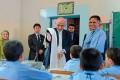 <b>Test ahead</b> President Ashraf Ghani Ahmadzai interacts with students