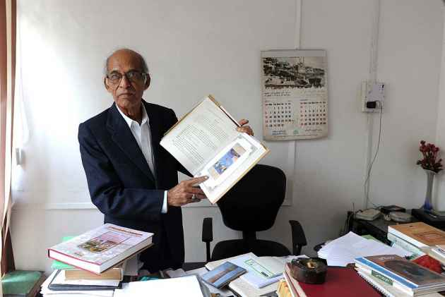 'Persian Translations Of Sanskrit Texts Show Respect'