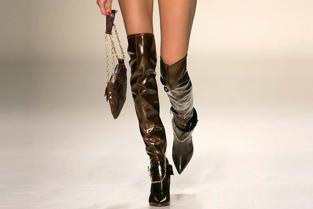 Laaton Ke Boots