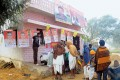 <b>Shaking it up</b> Campaigning for panchayat polls in Barsi village, near Jaipur