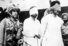 Two captured Pakistani army officers being brought to Delhi, Aug 12, 1965