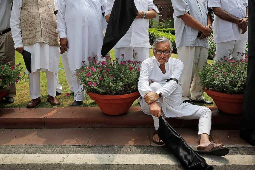 Aiyar Clarifies He Does Not Have Twitter Account