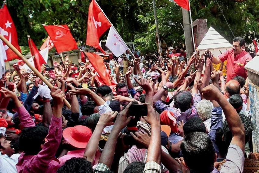 Kerala Waves The Left Wand