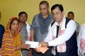 Sonowal Meets Injured in Hospital