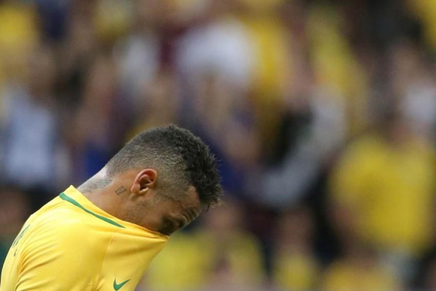 Should Neymar Borrow Marta's Shoes?