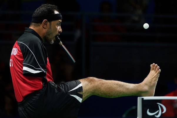 Outlook Photo Gallery : Egypt's Ibrahim Hamadtou plays Germany's