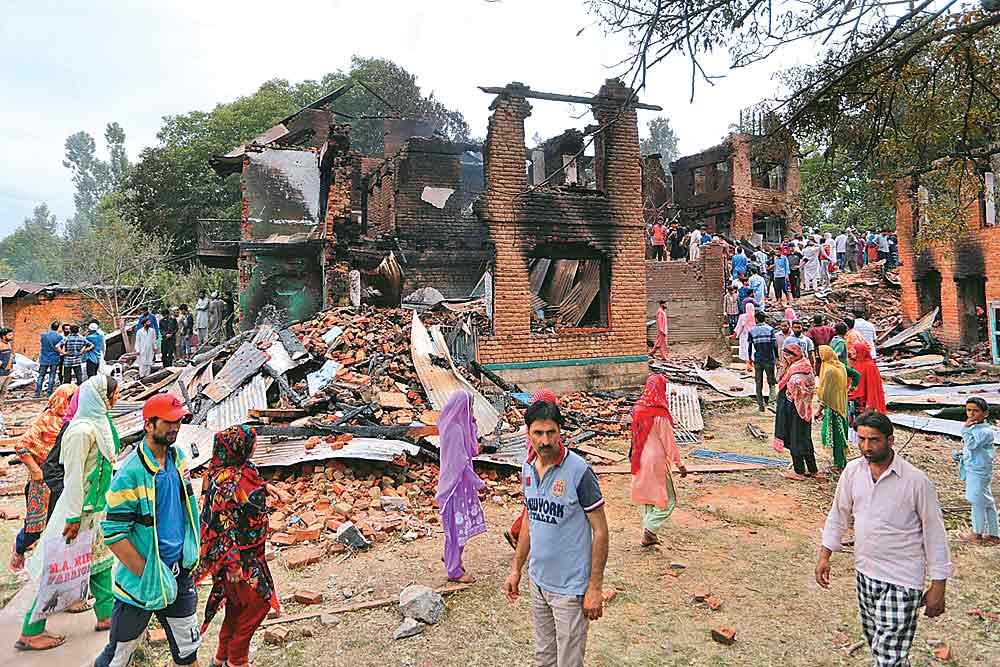 No Healing Yet In The Kashmiri Graveyard