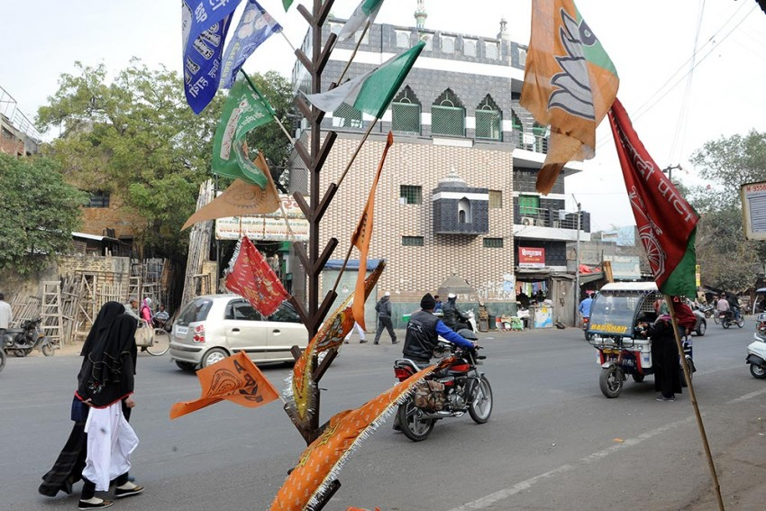 Modi-Yogi Bhakts Aplenty, But Jobs?