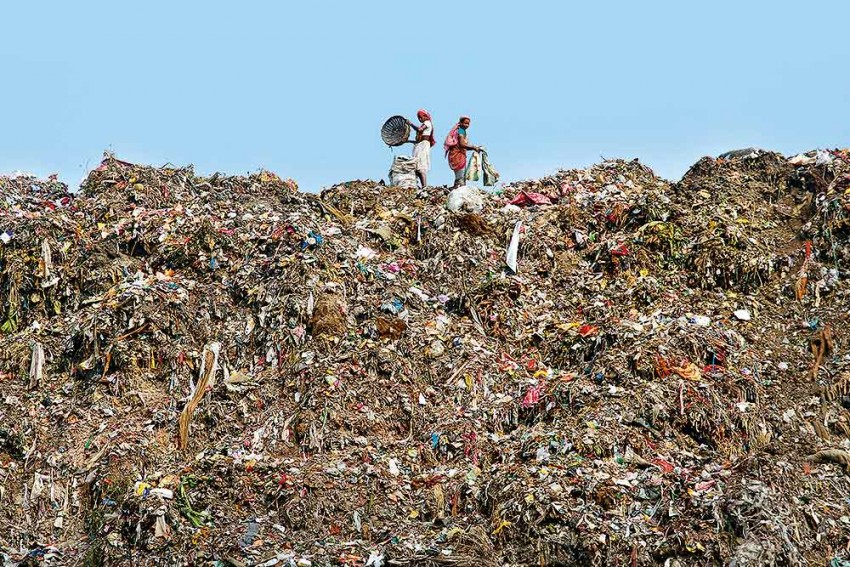 The Greater Kailash Of Garbage