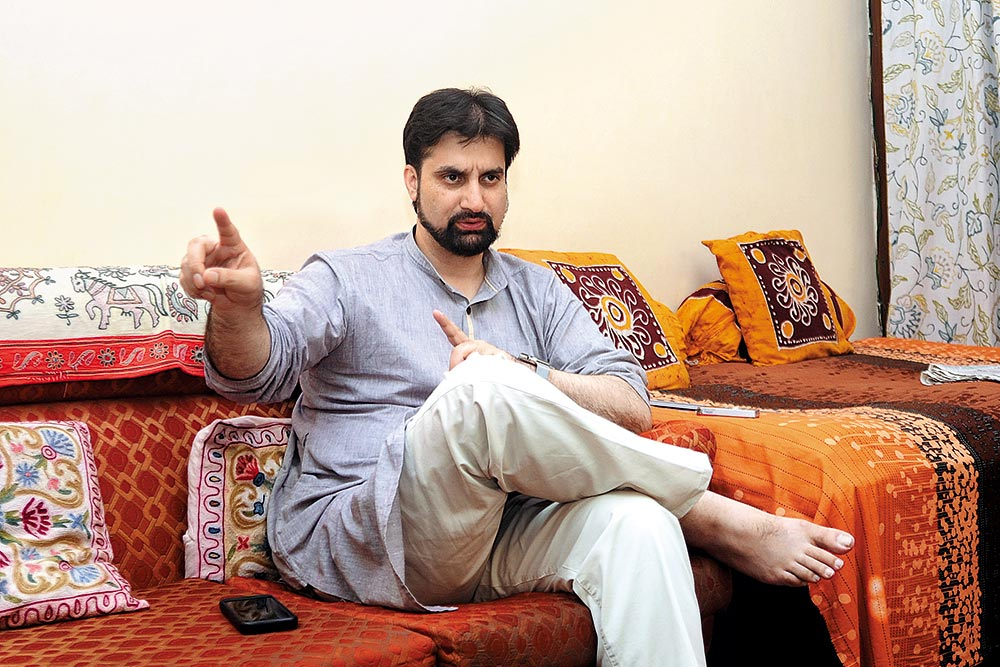 Kashmir Is A ­Political Problem. Govt Must ­Accept This: Mirwaiz Umer Farooq