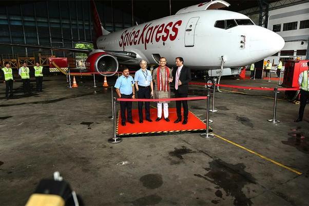 Outlook India Photo Gallery - Cargo Aircraft