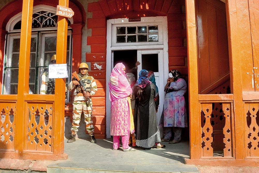 When The Void Won The Vote: Low Voter Turnout In Kashmir Speaks Of Alienation