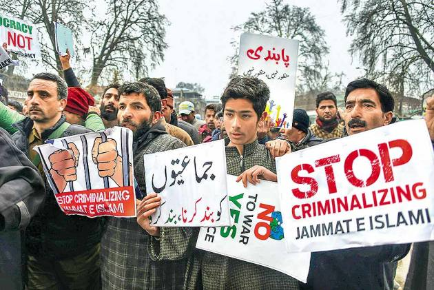 Ban On Jam­aat-e-Islami Jammu & Kashmir Draws Flak In Valley
