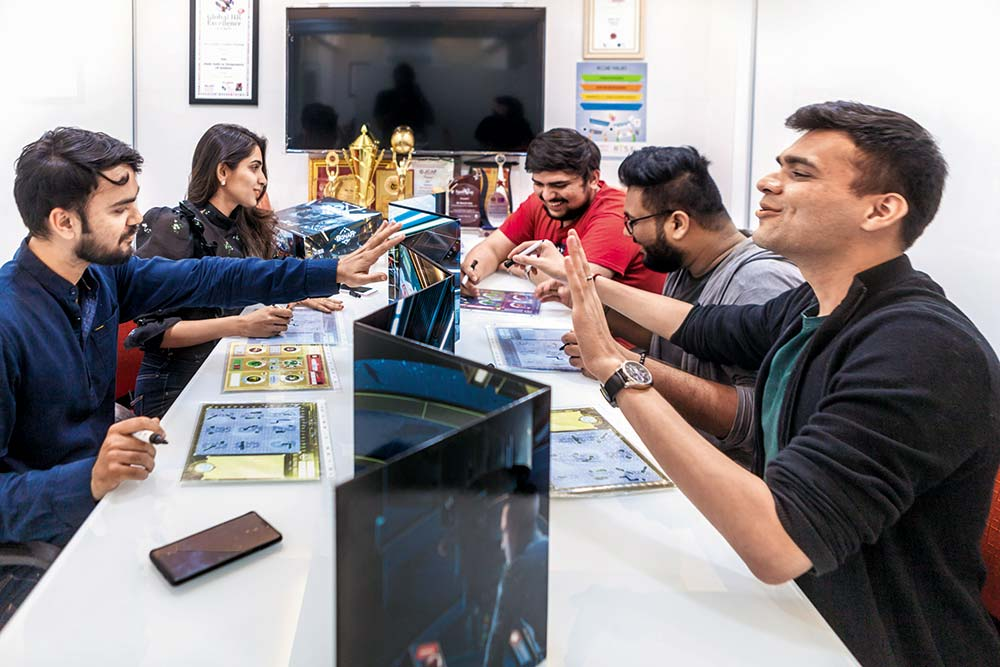 Pictionary, Monopoly Or Taboo: It's Time To Play Few Board Games