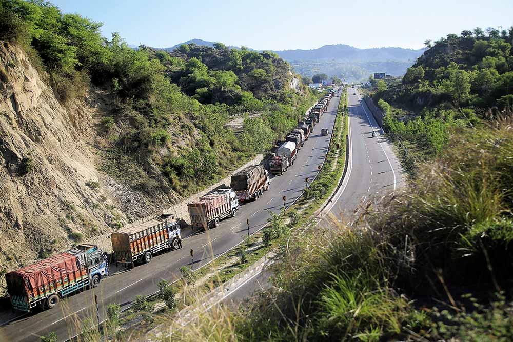 J&K Highway Ban Widens Centre-Kashmir Rift